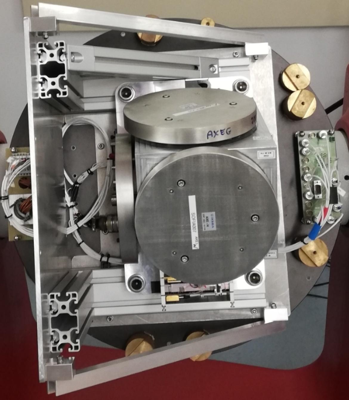 Inertial measurement unit of the SOFIA telescope (c) Simon Beckmann