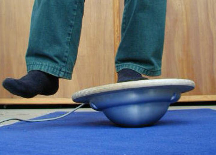 Ankle exercise board with integrated attitude measurement system (c) Jörg F. Wagner